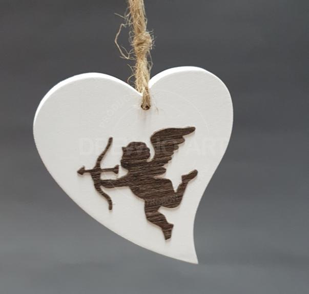 Serce na sznurku z amorkiem