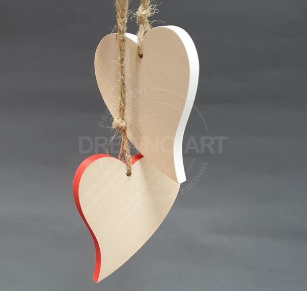 Serca na sznurku z kolorowym brzegiem