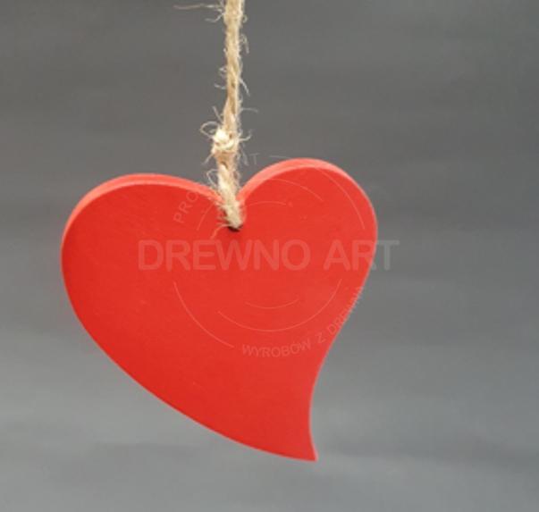 Czerwone serce na sznurku