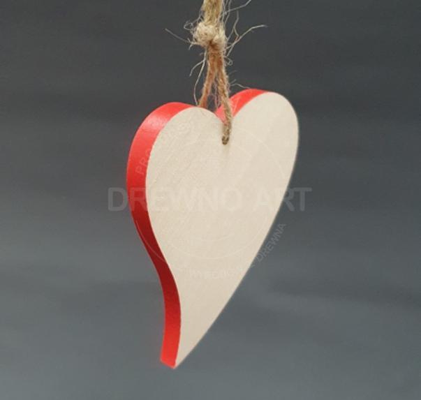 Serce na sznurku z czerwonym brzegiem