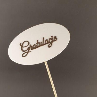 Tabliczka na piku z napisem: Gratulacje