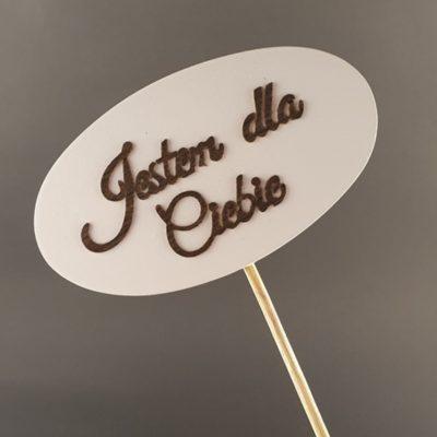 Tabliczka na piku z napisem: Jestem dla Ciebie