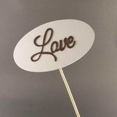 Tabliczka na piku z napisem: Love