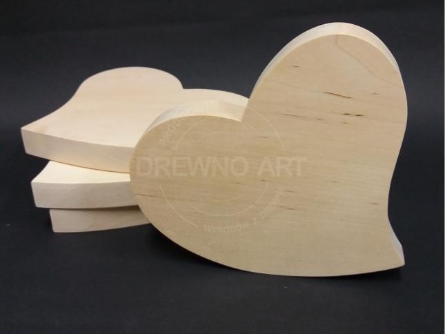 Serca z surowego, litego drewna