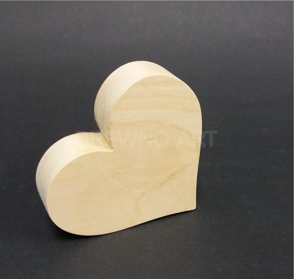 Serce z surowego, litego drewna