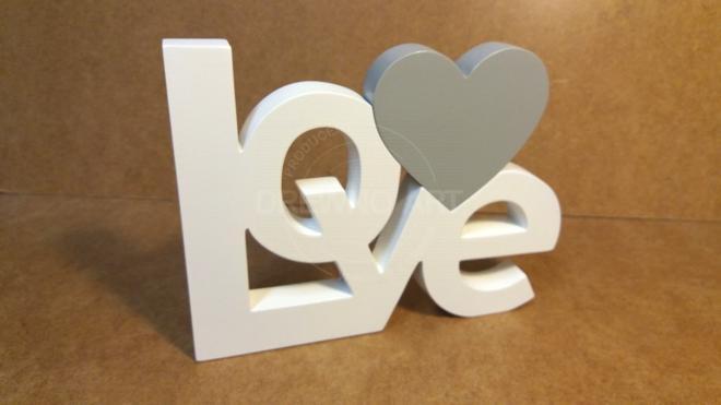 Napis LOVE z drewna biało-szary
