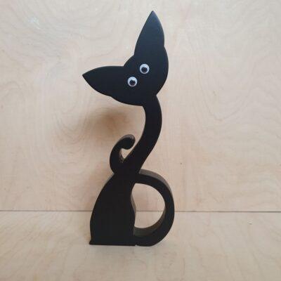 Czarny kot z drewna