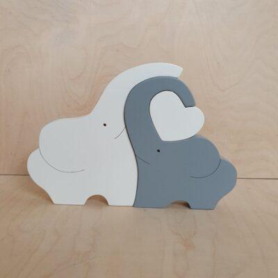 Słonie z drewna biało-szare